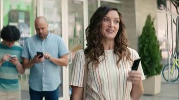 Cricket Wireless TV Spot, 'Smiles' - Thumbnail 5
