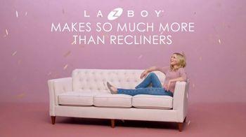 La-Z-Boy 2 Great Chairs Sale TV Spot, 'Big Deal' Featuring Kristen Bell - Thumbnail 2
