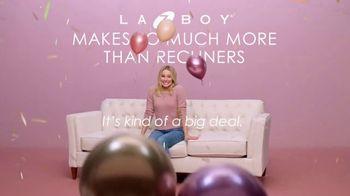 La-Z-Boy 2 Great Chairs Sale TV Spot, 'Big Deal' Featuring Kristen Bell - Thumbnail 3