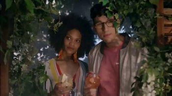 Absolut Juice TV Spot, 'Garden Party' - Thumbnail 2