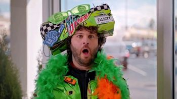 Little Caesars Pizza TV Spot, 'No Way!' Featuring Chase Elliott - Thumbnail 4