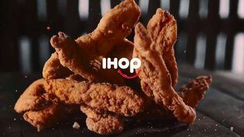 IHOP Chicken & Pancakes TV Spot, 'Attention' - Thumbnail 1