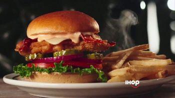 IHOP Chicken & Pancakes TV Spot, 'Attention' - Thumbnail 3