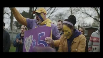 Holiday Inn Express TV Spot, 'Number One Fan' - Thumbnail 10