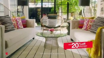 Overstock.com Memorial Day Blowout TV Spot, '20 Percent off Area Rugs' - Thumbnail 5