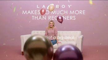 La-Z-Boy Memorial Day Sale TV Spot, 'Confetti' Featuring Kristen Bell - Thumbnail 3