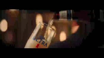 Michelob Ultra TV Spot, 'Nuestro ritmo' con Maluma [Spanish] - Thumbnail 1