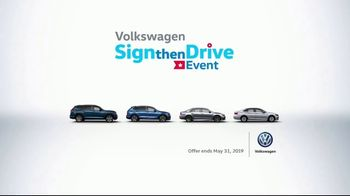 Volkswagen Sign Then Drive Event TV Spot, 'Bigger Banner' [T2] - Thumbnail 7