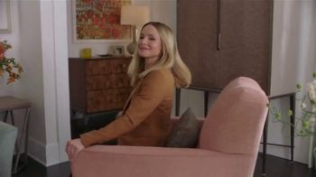 La-Z-Boy Pre-Memorial Day Sale TV Spot, 'Subtitles' Featuring Kristen Bell - Thumbnail 1