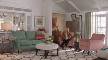 La-Z-Boy Pre-Memorial Day Sale TV Spot, 'Subtitles' Featuring Kristen Bell - 174 commercial airings