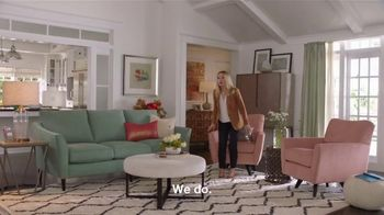La-Z-Boy Pre-Memorial Day Sale TV Spot, 'Subtitles' Featuring Kristen Bell - Thumbnail 4