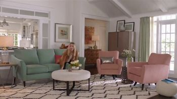 La-Z-Boy Pre-Memorial Day Sale TV Spot, 'Subtitles' Featuring Kristen Bell - Thumbnail 6