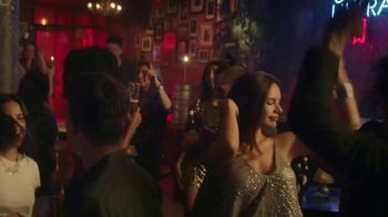 Michelob ULTRA TV Spot, 'Goes With Our Rhythm' Featuring Maluma - Thumbnail 3