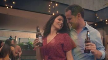 Michelob ULTRA TV Spot, 'Goes With Our Rhythm' Featuring Maluma - Thumbnail 5