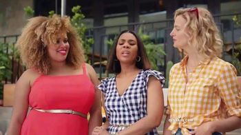 Old Navy TV Spot, 'Hot Summer Styles for the Family' Featuring Regina Hall - Thumbnail 7