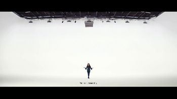 VerizonUp TV Spot, 'Why Mirna Chose Verizon: $650 Off' - Thumbnail 4