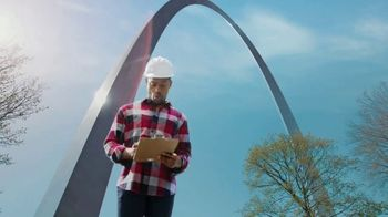 Explore St. Louis TV Spot, 'Sterling K. Brown in the Know: The Gateway Arch' - Thumbnail 3