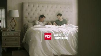 Value City Furniture TV Spot, 'Great Moments: Beautyrest Black Mattress Sets' - Thumbnail 1