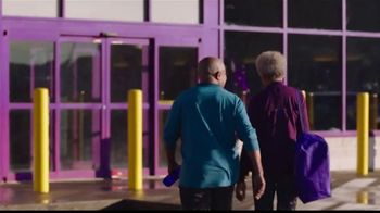 Planet Fitness Black Card TV Spot, 'Traiga un amigo: sin pago de cuota' [Spanish] - Thumbnail 1