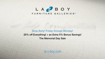 La-Z-Boy Memorial Day Sale TV Spot, 'Hassle-Free: Shop Early' - Thumbnail 7