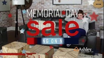 Ashley HomeStore Memorial Day Sale TV Spot, 'Summer's Hottest Deals: Recliners & Sectionals' Song by Midnight Riot - Thumbnail 2