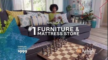 Ashley HomeStore Memorial Day Sale TV Spot, 'Summer's Hottest Deals: Recliners & Sectionals' Song by Midnight Riot - Thumbnail 7