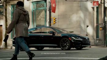 Volkswagen Arteon TV Spot, 'Look Down in Awe' Song by Love [T1] - Thumbnail 7