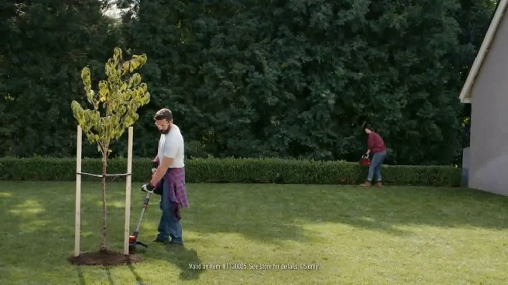 Lowe's TV Commercial, 'Do Outdoors Right: Craftsman Trimmer & Bonnie Vegetables'