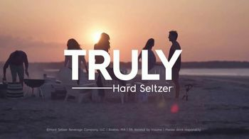 Truly Spiked & Sparkling TV Spot, 'Summer Adventure' Song by Starley - Thumbnail 9