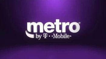 Metro by T-Mobile TV Spot, 'Teléfonos gratis' canción de Usher [Spanish] - Thumbnail 1