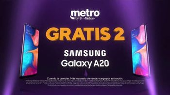 Metro by T-Mobile TV Spot, 'Teléfonos gratis' canción de Usher [Spanish]