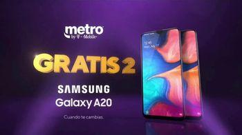 Metro by T-Mobile TV Spot, 'Teléfonos gratis' canción de Usher [Spanish] - Thumbnail 7