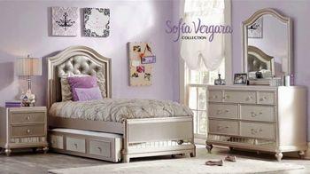 Rooms to Go Venta de Liquidación de Verano TV Spot, 'Kids & Teens: regreso a clases' [Spanish] - Thumbnail 2