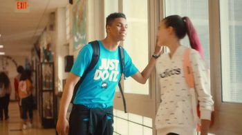 JCPenney TV Spot, 'Remix: 25 Percent Off Shoes and Apparel' - Thumbnail 5