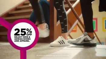 JCPenney TV Spot, 'Remix: 25 Percent Off Shoes and Apparel' - Thumbnail 6