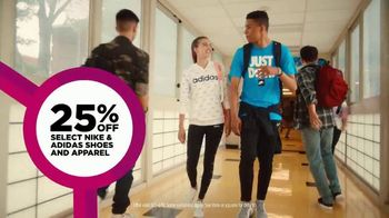 JCPenney TV Spot, 'Remix: 25 Percent Off Shoes and Apparel' - Thumbnail 7