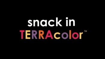 Terra Chips TV Spot, 'Color Outside Your Cubicle' - Thumbnail 10