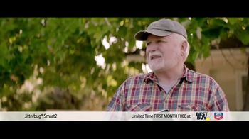 GreatCall TV Spot, 'Yard Sale: First Month Free' Featuring John Walsh - Thumbnail 4