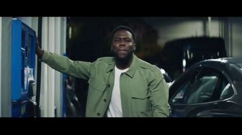 Chase Freedom Unlimited Card TV Spot, 'You're Always Earning at the Gas Station' Featuring Kevin Hart - Thumbnail 1