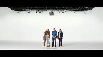 Verizon Unlimited TV Spot, 'Different' - Thumbnail 3