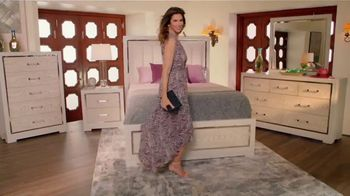 Rooms to Go Cindy Crawford Home TV Spot, 'No Other Partner' Song by Clean Bandit, Featuring Cindy Crawford - Thumbnail 4