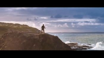 Summer of Jeep TV Spot, 'Seconds' Featuring Jeremy Renner [T2] - Thumbnail 4