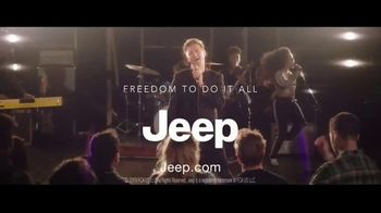 Summer of Jeep TV Spot, 'Seconds' Featuring Jeremy Renner [T2] - Thumbnail 7