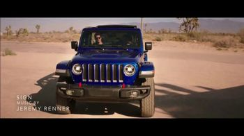 Summer of Jeep TV Spot, 'Ride Swap' Featuring Jeremy Renner [T2] - Thumbnail 2