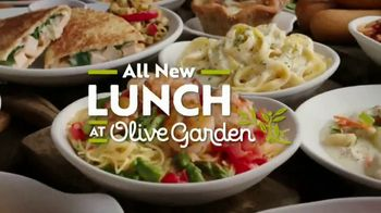 Olive Garden TV Spot, 'Best Option' Song by Eric Hutchinson - Thumbnail 10