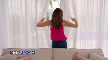 Rooms to Go Cindy Crawford Home TV Spot, 'Your Lifestyle' Song by Clean Bandit - Thumbnail 1