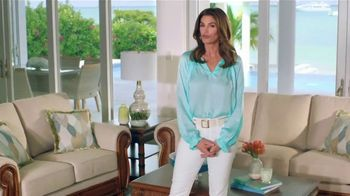 Rooms to Go Cindy Crawford Home TV Spot, 'Your Lifestyle' Song by Clean Bandit - Thumbnail 10