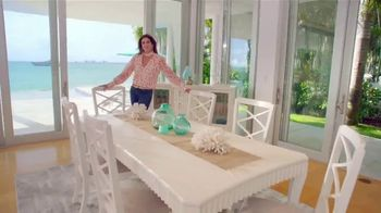Rooms to Go Cindy Crawford Home TV Spot, 'Your Lifestyle' Song by Clean Bandit - Thumbnail 9