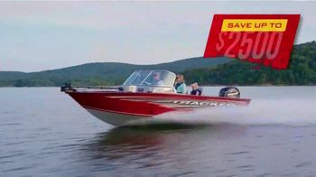 Bass Pro Shops Model Year-End Clearance TV Spot, 'Remaining 2019 Boats'
