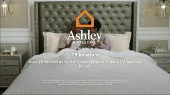 Ashley HomeStore Summer Mattress Sale TV Spot, 'Savings Are Heating Up' Song by Midnight Riot - Thumbnail 8